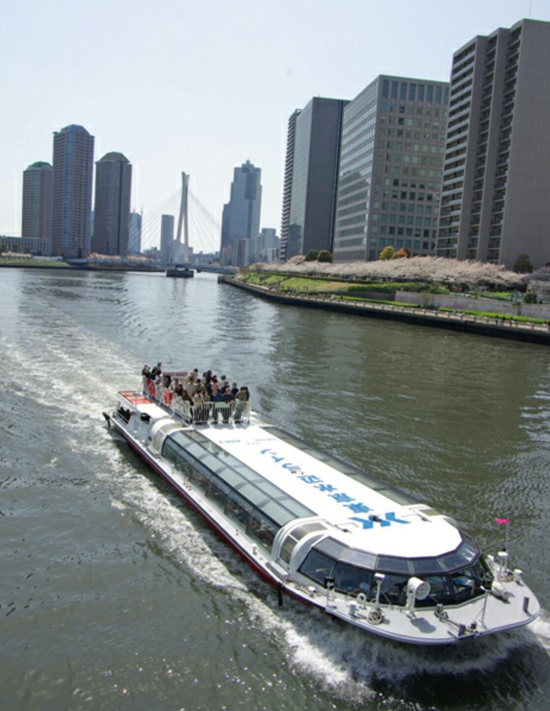 Boat cruise to Asakusa on the Sumidagawa river