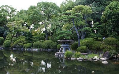 Garden at Nishinomaru at Osaka castle