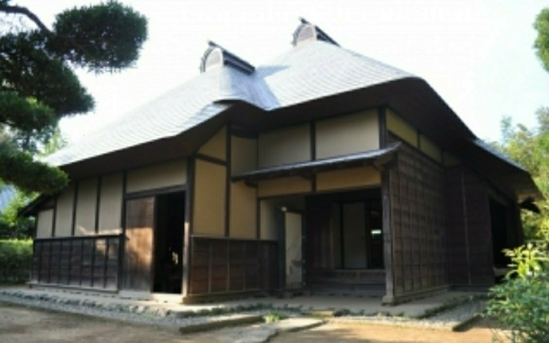 The former residence of the Takei family. The house located in a different place was moved here, being restored to its original condition!!