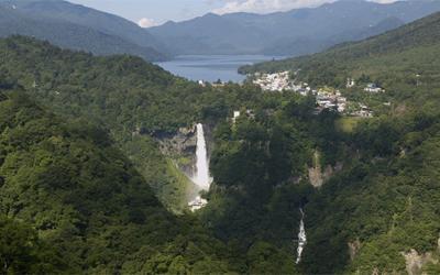 <Option> Combination View of Lake Chuzenji and Kegon Water Fall from Akechidaira