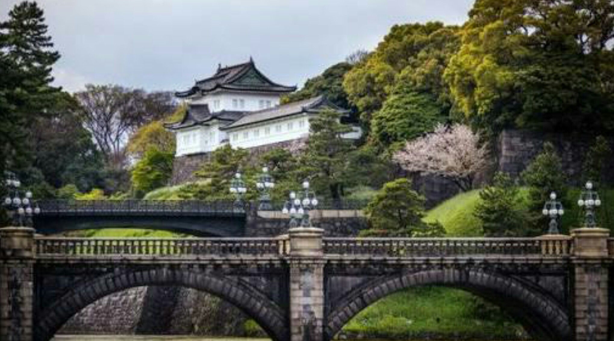 Bridge to the main gate of the Imperial Palace